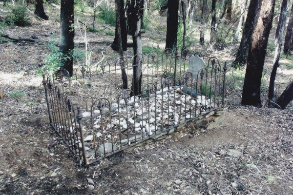 John Dare grave.jpg